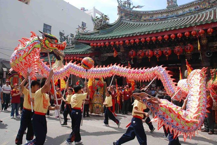 artists dancing dragon